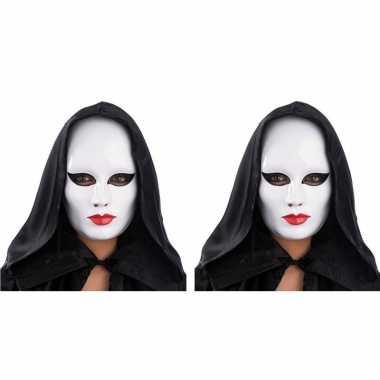 2x gezichtsmasker wit met rode lippen