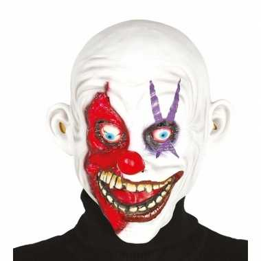 Enge clown maskers met kaal hoofd
