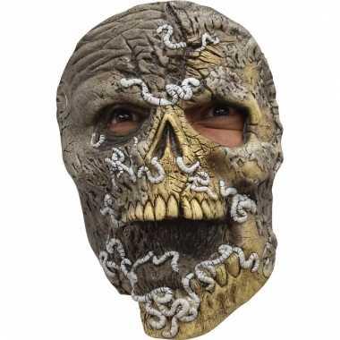 Enge schedel masker met wormen